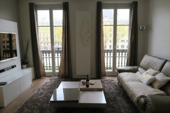 Balcon Notre Dame, Cobblestone Paris Rentals